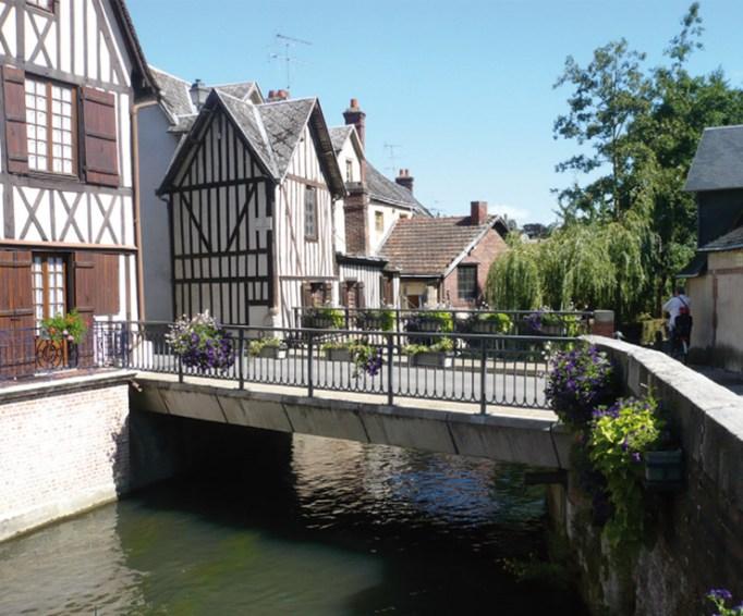 Bernay et ses cours d'eau - www.bernaytourisme.fr