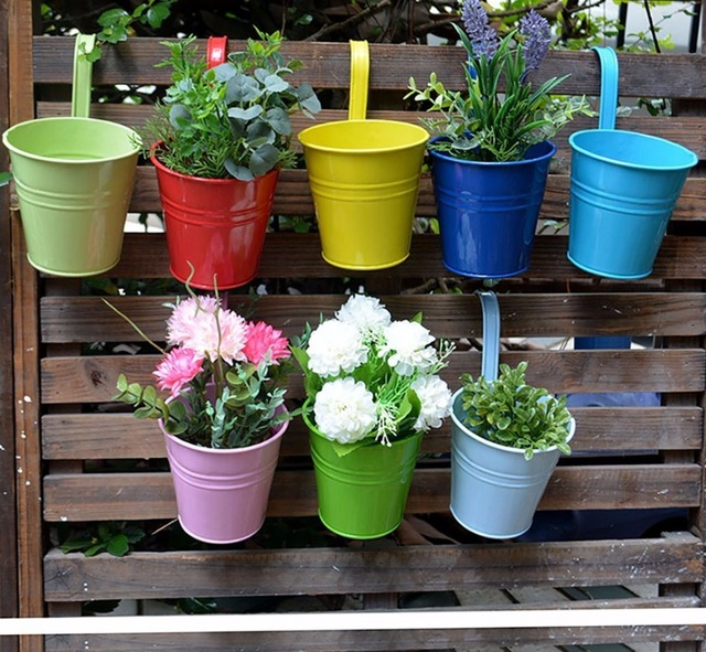 Simple Plastic Hanging Pots
