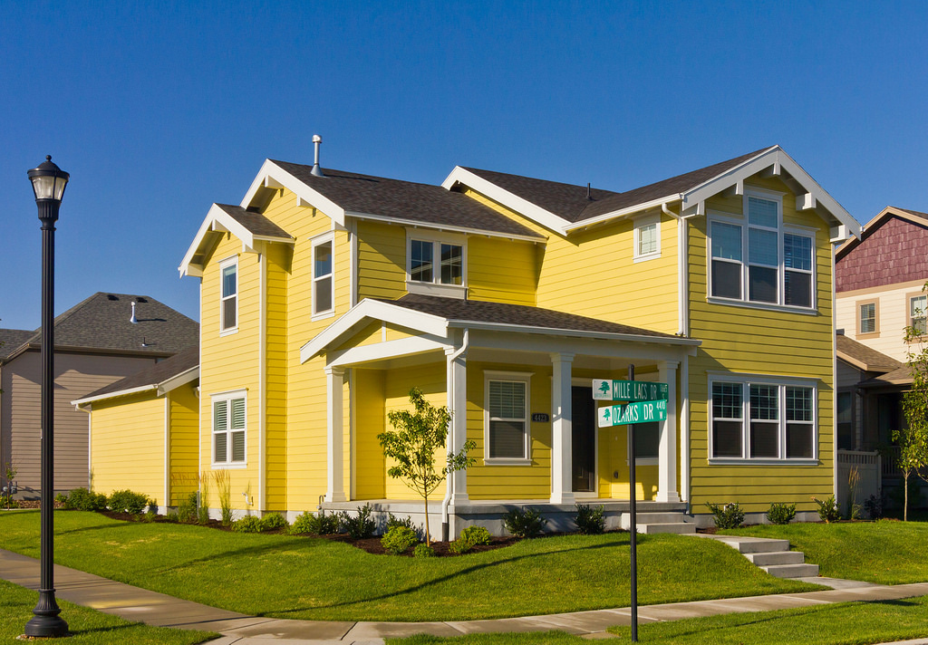 yellow house color design