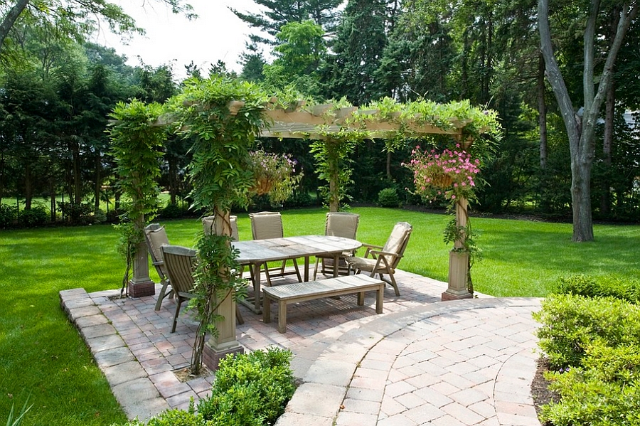 backyard dining area decoration