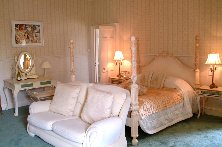 classical fabric bedroom