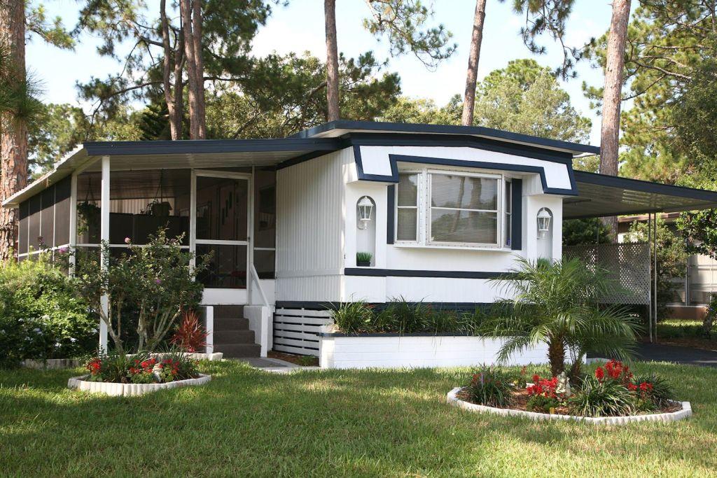 minimalist mobile homes