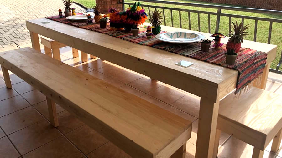 long-design dining table