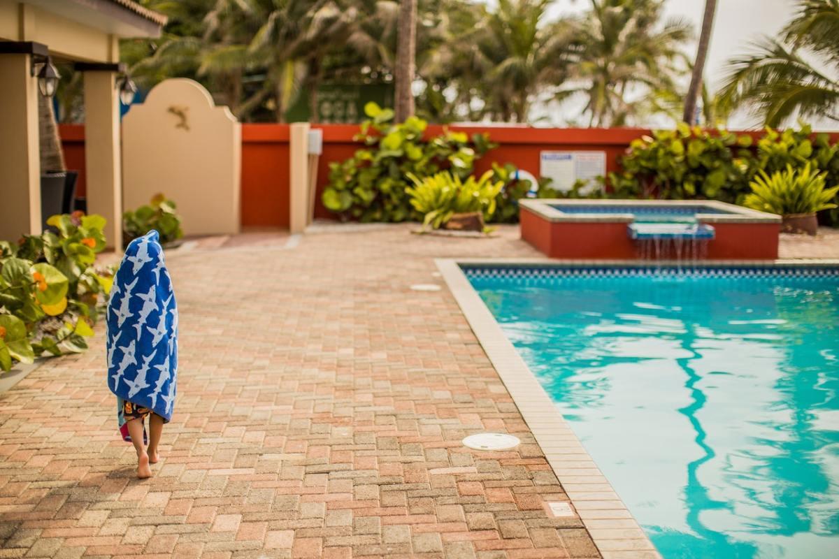 pool accessories storage ideas