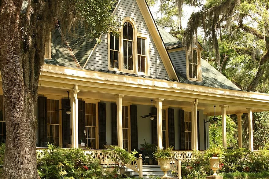 landscaping front yard house home porch residence real estate residential estate property mortgage