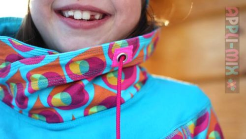 Kragenvariante Tasja Design MiaLuna Papierschnittmuster über farbenmix Sweater Sweatkleid