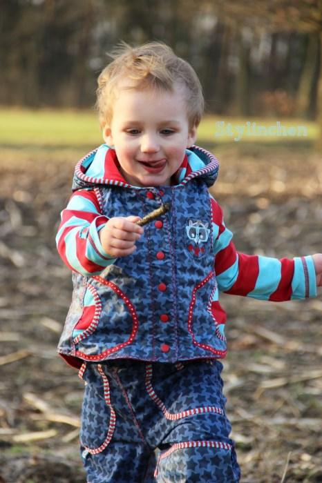 Weste VIKTORIA für Jungs und Mädchen vorne kürzer und hinten länger für jede Jahreszeit. Ebook jetzt neu bei Farbenmix