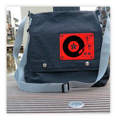 Messenger Bag für Uni, Schule oder Arbeit nähen - Schnittmuster von farbenmix Bube