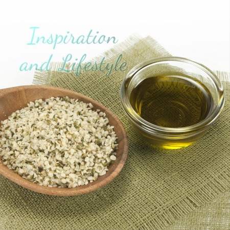 Hempseed oil with seeds