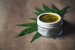 Top Benefits of Using CBD-Based Skincare Products