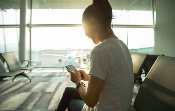 6 Ways To Entertain Yourself at the Airport