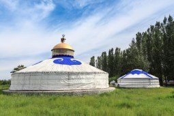 So many reasons why you should live in a yurt