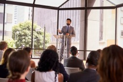 What Makes A Good Motivational Speaker