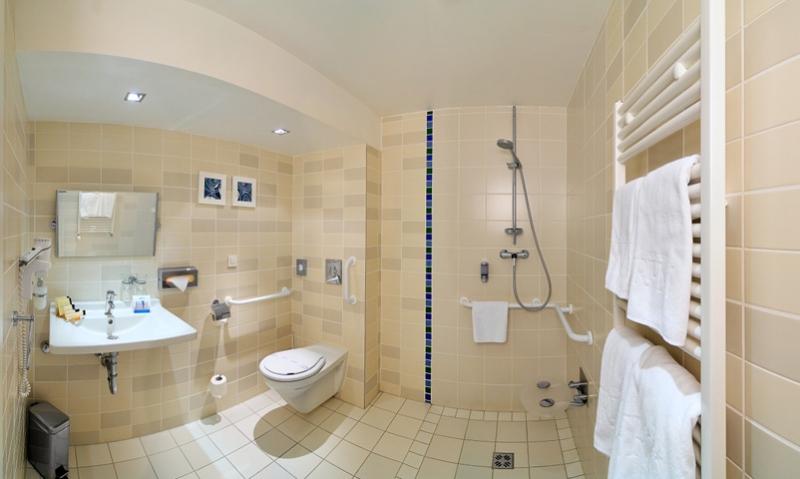 6 Tips To Design A Bathroom For Elderly