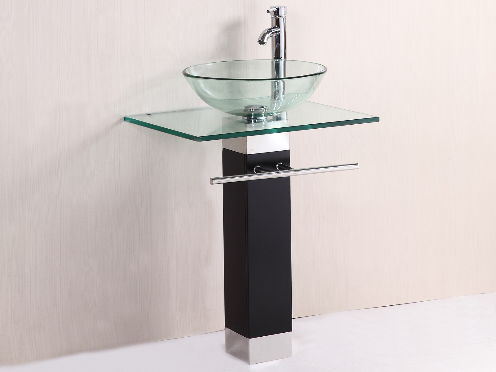 20 Glass Sink Design Ideas For Bathroom