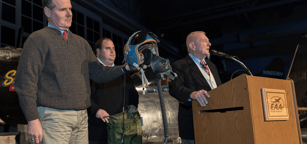 Gene Kranz Speaks at EAA, Donates Flight Helmet