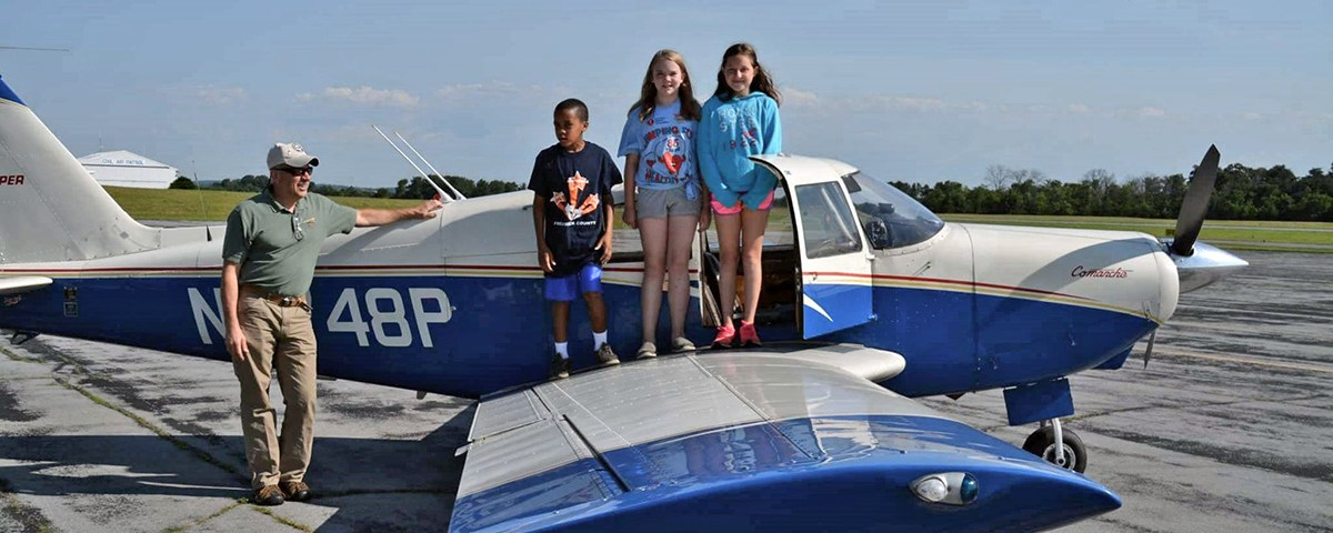 Chapter 186 Flies 131 Young Eagles at Rally