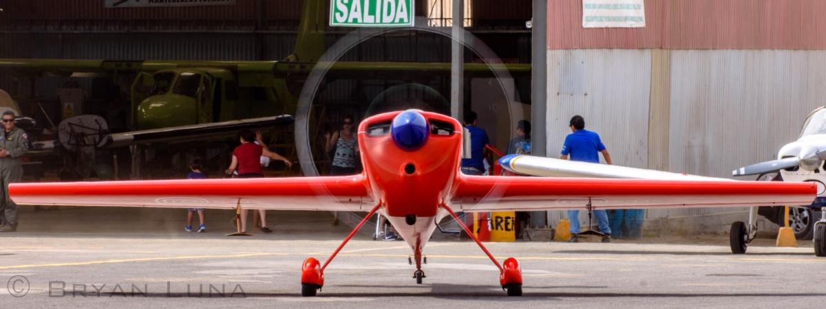 Chapter 1572 in Peru Hosts Aerobatic Pilot