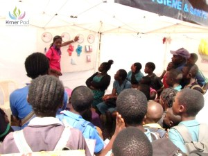 Un atelier de sensibilisation à l'hygiène organisé par Kmerpad