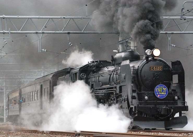 Making-good-choices-black-train
