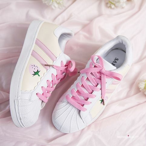 kawaii sneakers