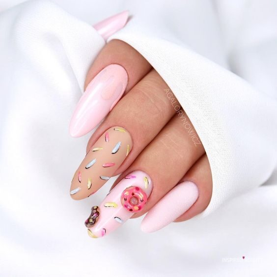Pink nails for summer