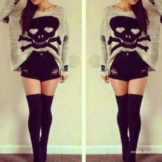 Cute Outfit with SKull
