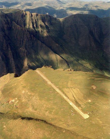 Злітна смуга Матекане, Лесото