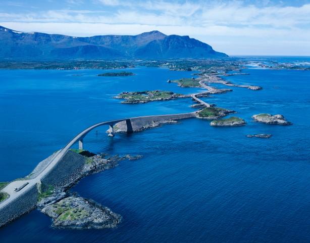 10 найдивовижніших мостів світу