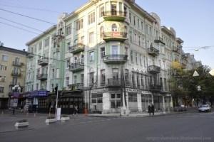 1942/2012 вул. Велика Житомирська, магазин лише для німців