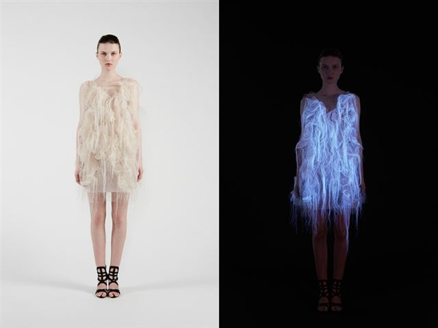 nowhere-nowhere-2-gaze-activated-dresses-by-ying-gao_01
