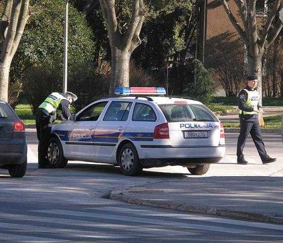 699px-Croatian_traffic_police