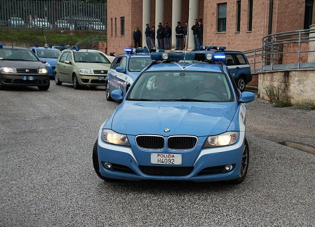 Polizia_di_Stato_Bmw_320_Touring_E91