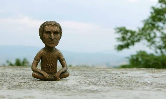Памятник-Вакарчуку1