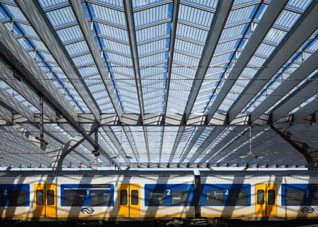 Rotterdam-Centraal-station-Benthem-Crouwel-Architects-West-8-MVSA-Architects-4