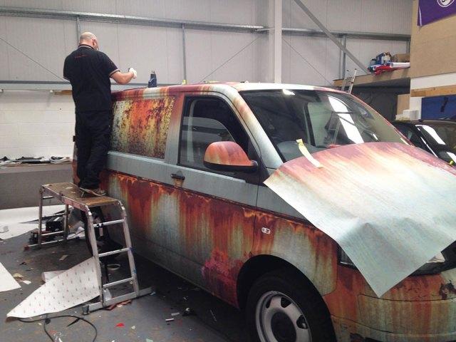 rusty-car-vinyl-wrap-vw-van-clyde-wraps-8