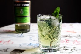 chartreuse-and-tonic