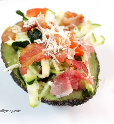 Avocado Salad Bowls: Bacon, Zucchini and Tomato