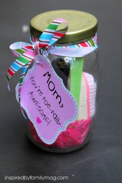Mother's Day Gift Kids Can Make: You're Toe-tally Awesome