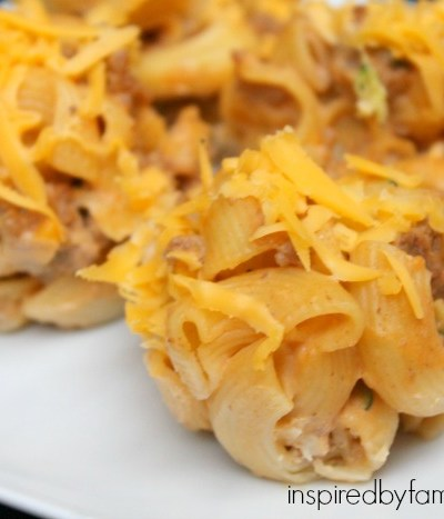 Macaroni and Cheeseburger Cups