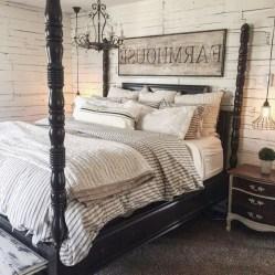 48+ beautiful Farmhouse Style Master Bedroom Ideas 02