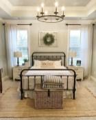 48+ beautiful Farmhouse Style Master Bedroom Ideas 11