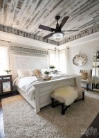 48+ beautiful Farmhouse Style Master Bedroom Ideas 16