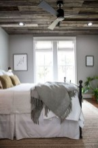 48+ beautiful Farmhouse Style Master Bedroom Ideas 31