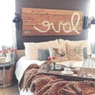 48+ beautiful Farmhouse Style Master Bedroom Ideas 37
