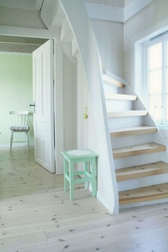 20+ Cool Stairs Design Ideas For Small Space (9)