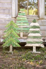 23+ Cool DIY Crafts Wooden Christmas Ideas (18)