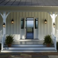 25+ Awesome Farmhouse Exterior Front Door Ideas (11)