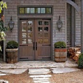 25+ Awesome Farmhouse Exterior Front Door Ideas (14)