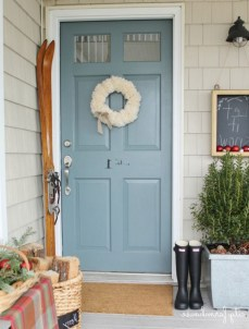 25+ Awesome Farmhouse Exterior Front Door Ideas (17)